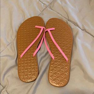 Vineyard Vines Shoes - Vineyard vines women's flip flops
